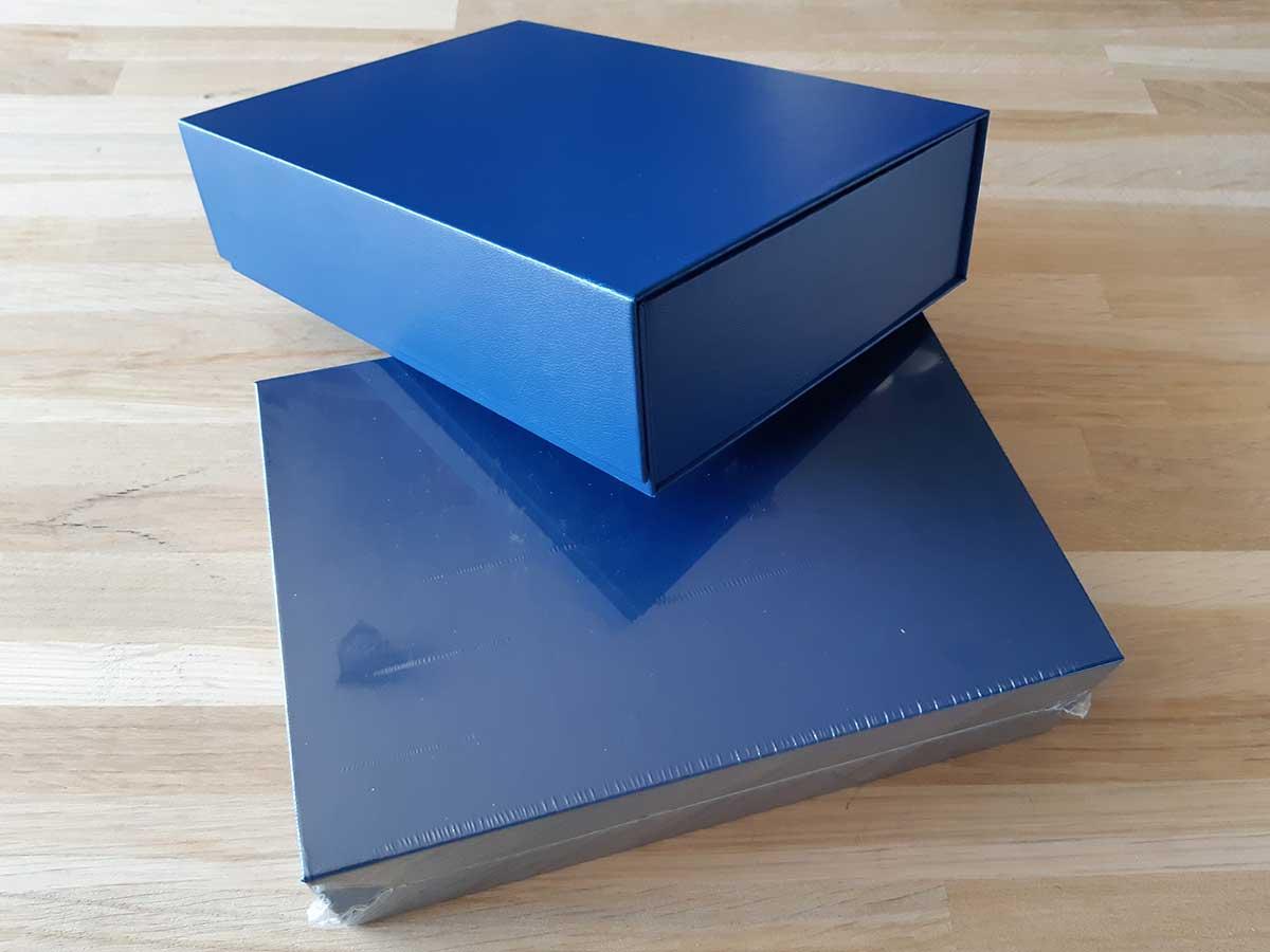 Boîte aimantée Maestro bleu, avec film protecteur